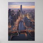 Torre del río Chicago y del triunfo desde arriba Posters