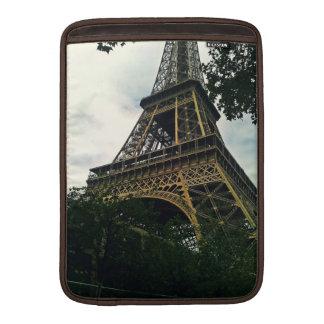 "Torre Eiffel 13"" mangas de aire de Macbook Funda Para MacBook"