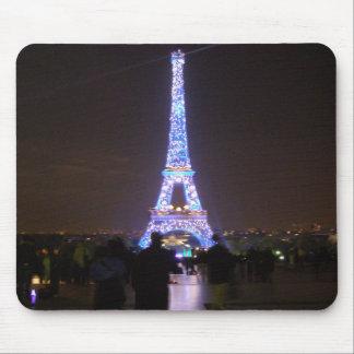 Torre Eiffel de París en la noche Alfombrilla De Ratón