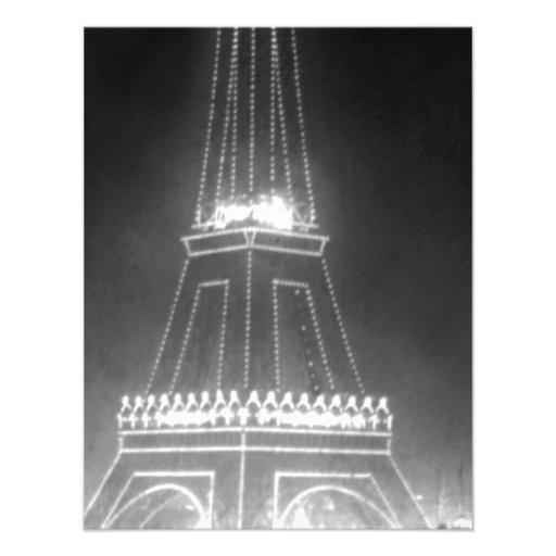 Torre Eiffel del vintage en la noche Invitaciones Personales