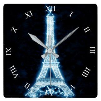 Torre Eiffel en el reloj de pared de neón blanco