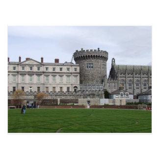 Torrecilla del castillo Irlanda, del césped y del Postal