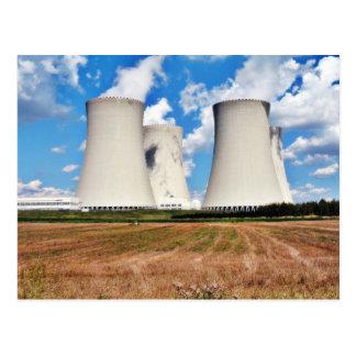 Torres de enfriamiento de una central nuclear postal