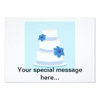 Torta azul de la grada del boda invitación 12,7 x 17,8 cm