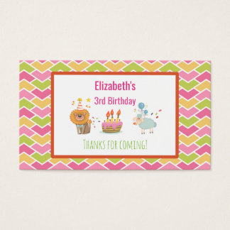 Torta de cumpleaños con gracias del león y de los tarjeta de negocios