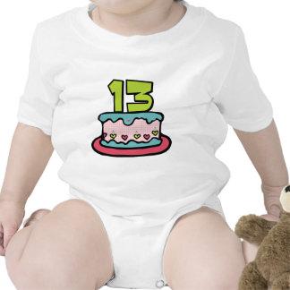 Torta de cumpleaños de 13 años traje de bebé