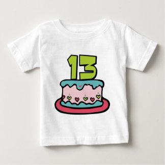 Torta de cumpleaños de 13 años camiseta