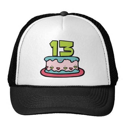 Torta de cumpleaños de 13 años gorras de camionero