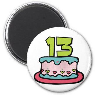 Torta de cumpleaños de 13 años imán redondo 5 cm