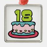 Torta de cumpleaños de 18 años ornamentos de reyes
