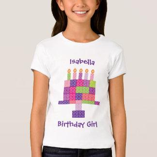 Torta de cumpleaños de los bloques de los camisetas