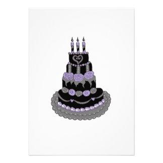 Torta de cumpleaños púrpura gótica