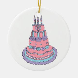 Torta de cumpleaños rosada bonita ornamentos para reyes magos