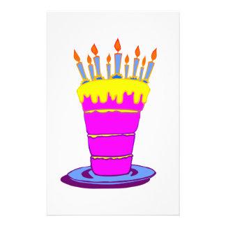 Torta de cumpleaños rosada gigante tarjetas informativas