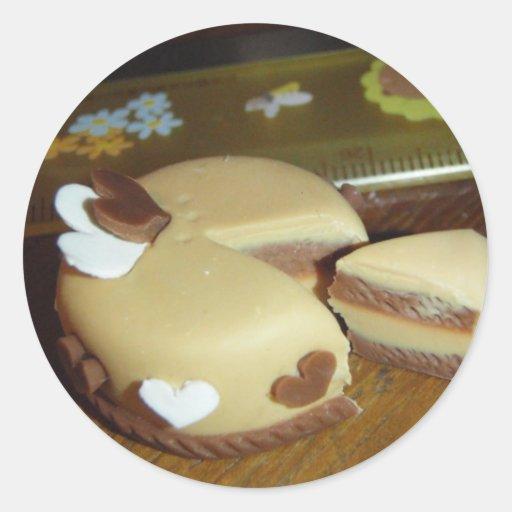 Torta de dos corazones pegatina redonda