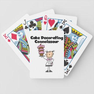 Torta femenina que adorna al perito barajas de cartas