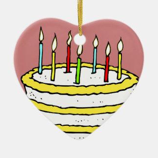 Torta y velas de cumpleaños adorno de cerámica en forma de corazón