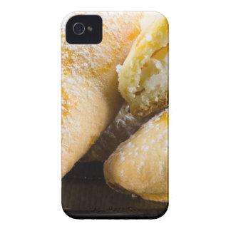 Tortas calientes con el relleno del queso funda para iPhone 4 de Case-Mate