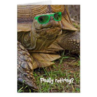 tortuga Retiro-vieja con las gafas de sol verdes Tarjeta De Felicitación
