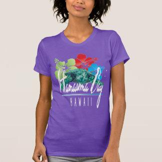 Tortuga y flores de Hawaii de la bahía de Hanauma Camisetas
