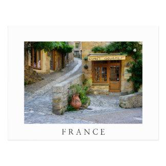 Townscape en postal del blanco de Dordoña, Francia