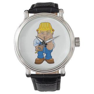 Trabajador con el casco reloj