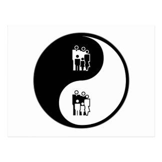 Trabajo social de Yin Yang Tarjetas Postales