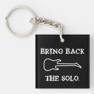 Traiga detrás la música a solas de la guitarra llavero