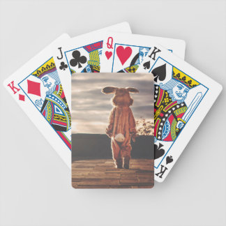 Traje del conejito de pascua baraja de cartas