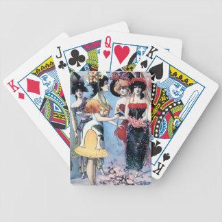 Trajes de las mujeres de los ejecutantes del barajas de cartas