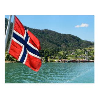 Transbordador de coche en la postal de Noruega