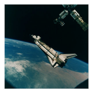 Transbordador espacial la Atlántida con el MIR Póster