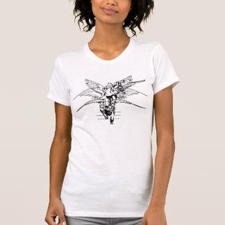 Transformación blanco y negro del ángel camisetas