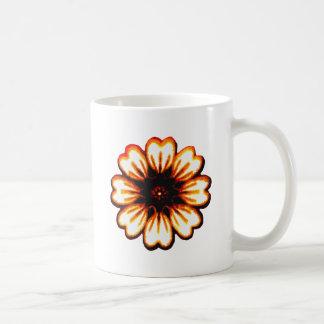 Transp anaranjado de la margarita los regalos de taza clásica