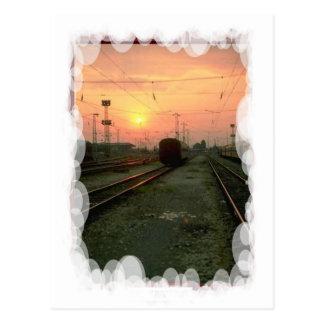 Transporte del vintage - en la puesta del sol tarjetas postales