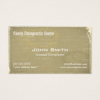 Trate la tarjeta de visita con suavidad de la