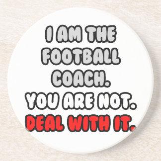 Trato con él… entrenador de fútbol divertido posavaso para bebida