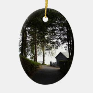 Trayectoria al restaurante del boathouse en el fue ornaments para arbol de navidad
