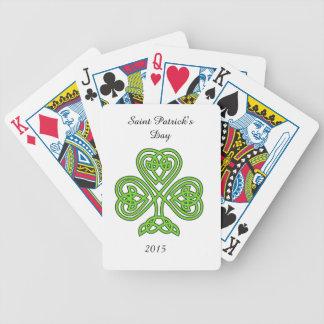 Trébol céltico del nudo en blanco baraja cartas de poker