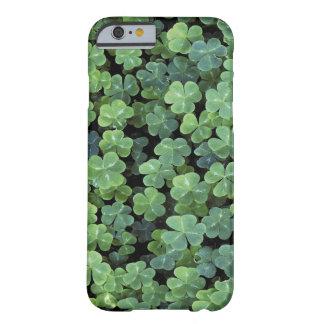 Trébol de la hoja de Irlanda de la naturaleza Funda De iPhone 6 Barely There