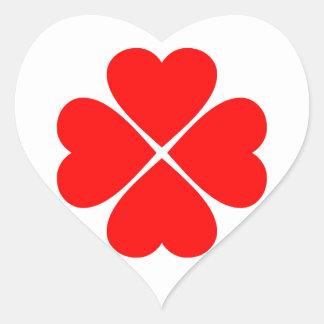 Trébol de la suerte del amor con corazones rojos calcomania corazon personalizadas