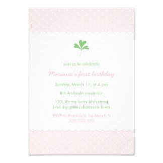 Trébol del verde del rosa del chica del cumpleaños invitación 12,7 x 17,8 cm