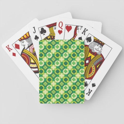 Trébol y círculos de la hoja del verde cuatro baraja de cartas