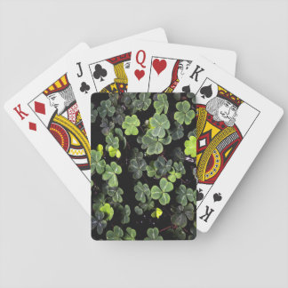 Tréboles irlandeses negros barajas de cartas
