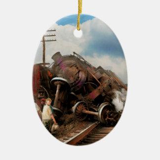 Tren - accidente - cabezas que empalman 1922 adorno navideño ovalado de cerámica