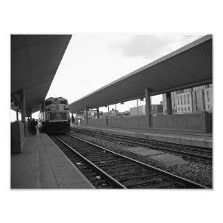 Tren adentro en el centro de la ciudad impresion fotografica