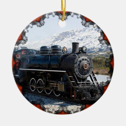 Tren blanco del paso en el ornamento de la nieve ornamento de navidad