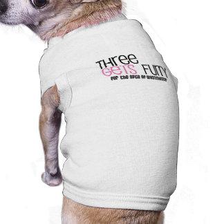 Tres consigue la camisa peluda del perrito