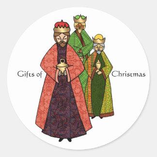 Tres hombres sabios y los regalos del navidad pegatina redonda