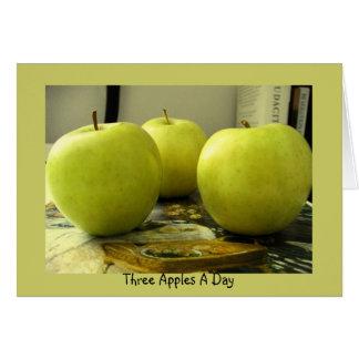 Tres manzanas al día tarjeta de felicitación
